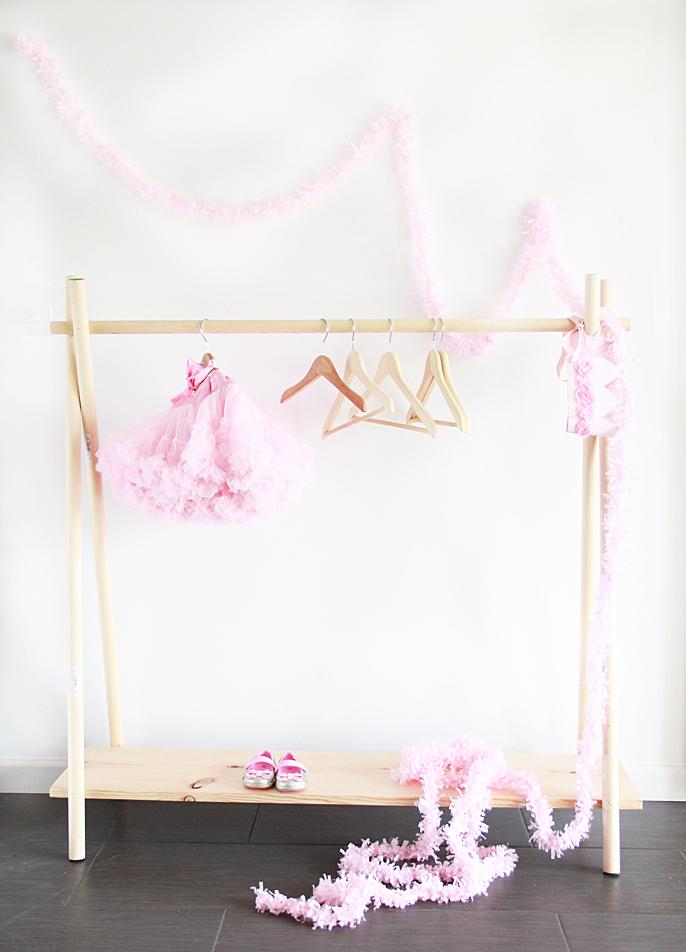stalak za dječiju odjeću